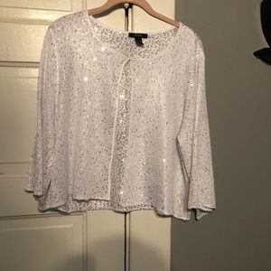 Alfani White Top with Sequence. Size XL.
